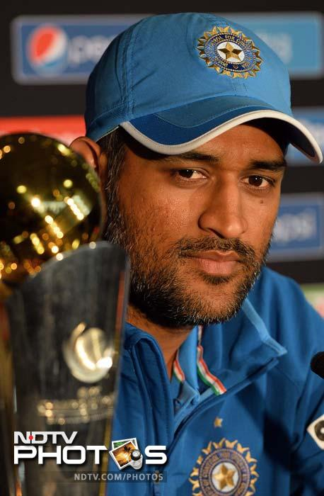 M. S. Dhoni, Top 10 Most Popular Cricketers