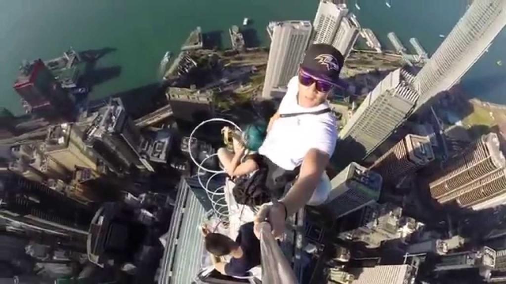 Top 6 Dangerous Selfies Ever Taken