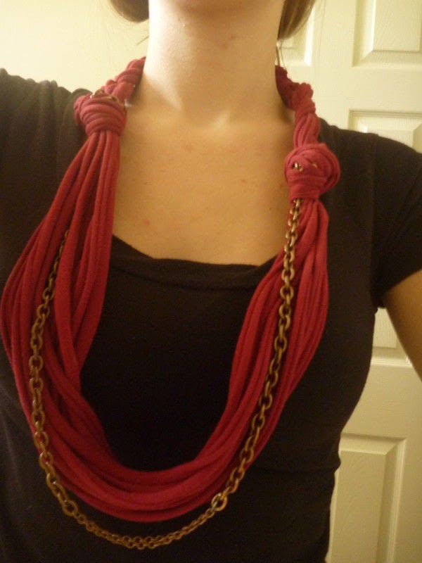Wiki-How : How To Make T-shirt Scarf From Old T-Shirts or Waste Cloth