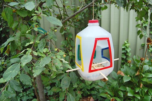 5 Best uses of Waste Plastic Bottles