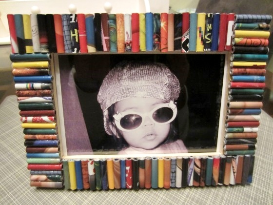 Recycled-Magazine-Frame-How-To