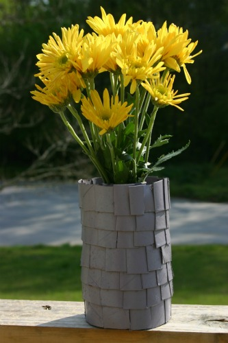 Flower Vase From Tissue paper Roll