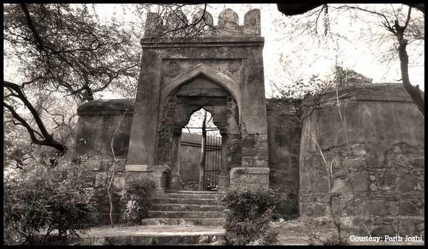 Bhuli-Bhatiyari-Ka-Mahal must visit place in delhi
