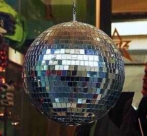 5 Easy Steps to Make Disco Ball With Old CD - Waste Material Craft